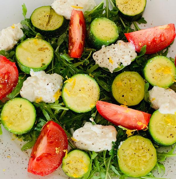 Lauwarmer Sommersalat mit Zitronen Ricotta