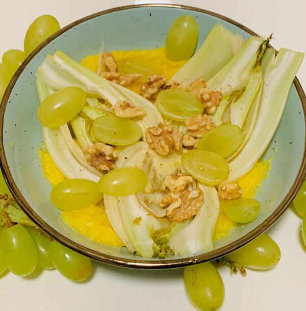 Mais Bowl mit warmen Fenchel und Trauben