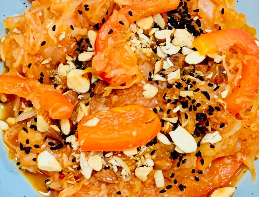 Paprika Tomaten Sauerkraut mit Rauchmandeln